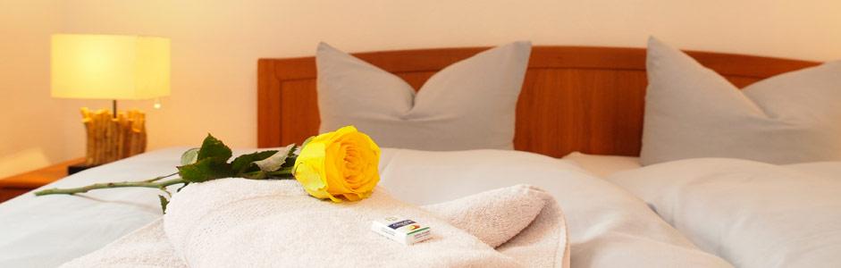 Zwei Schlafzimmer in der Ferienwohnung Tusculum in der Villa Hintze Heringsdorf Usedom